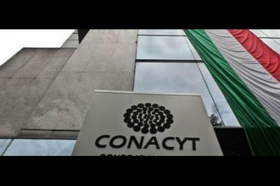 Conacyt destaca avance en la entrega de becas